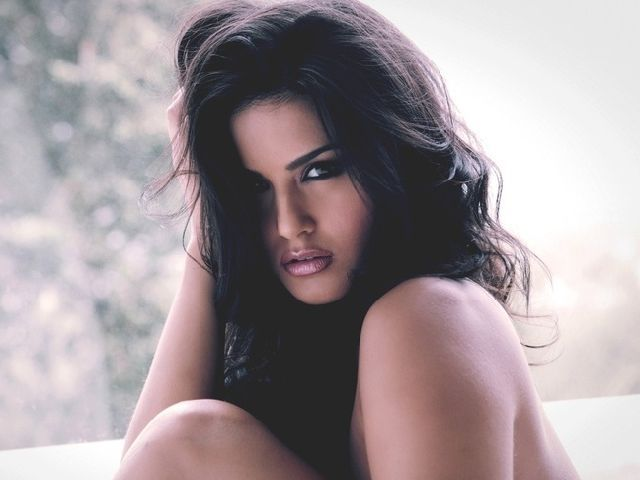 Download Sunny Leone Jism 2 Mobile Wallpapers Wallpaper HD FREE
